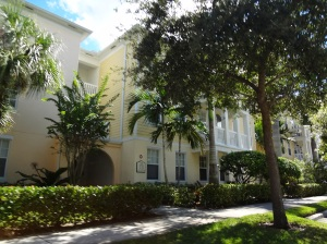 Abacoa condos overlooking nature preserve, ample parking, granite counters and wood cabinets.